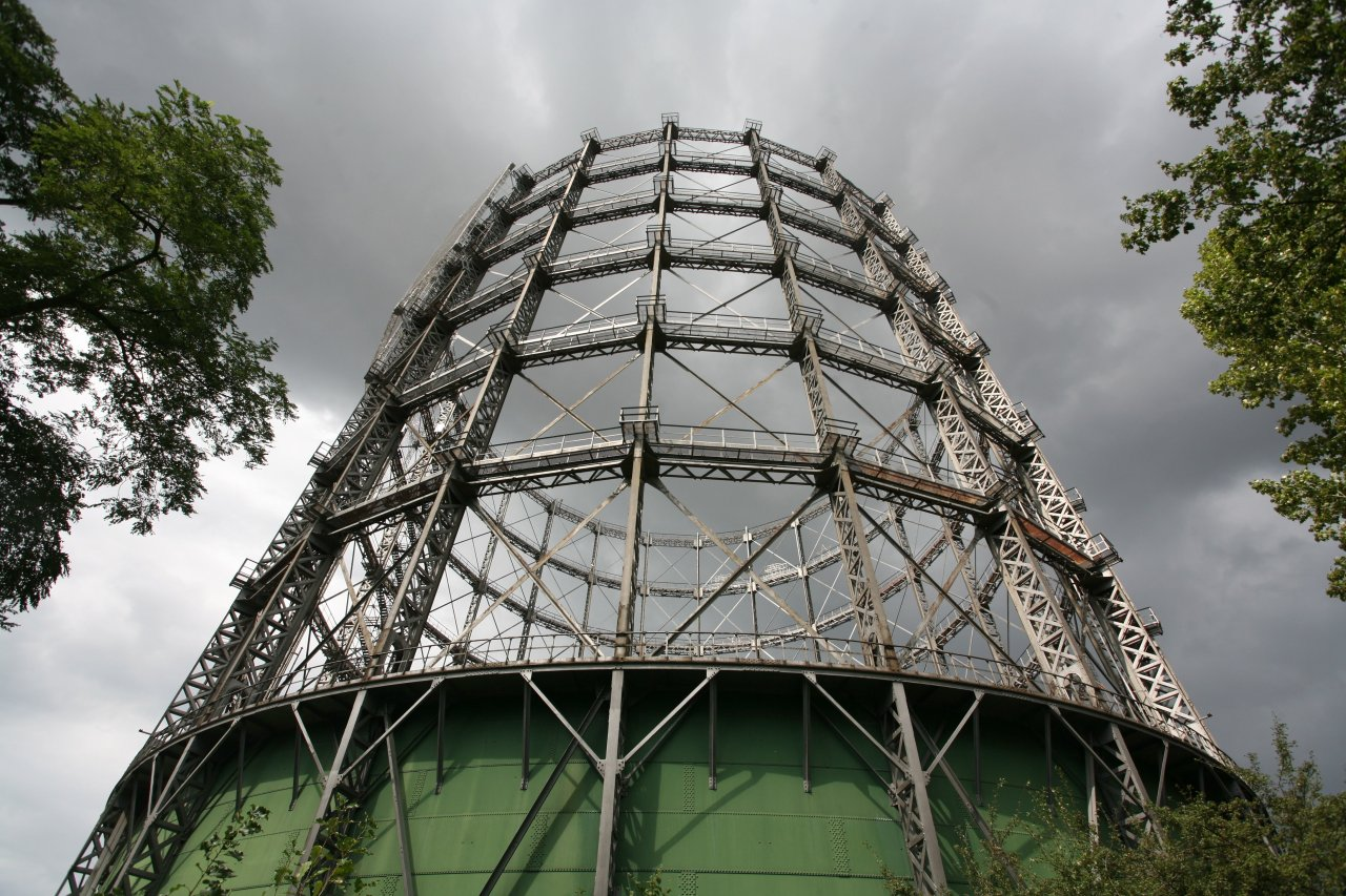 Der alte Gasometer in Schöneberg erwacht zu neuem Leben: Hier siedelte sich das erfolgreiche Europäische Energieforum an