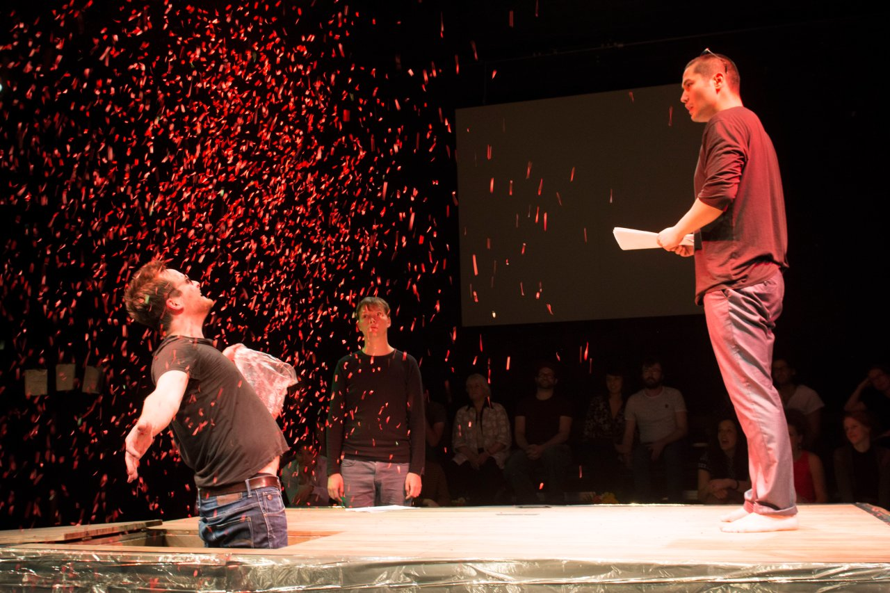 Den Kindertheaterpreis vergibt die GASAG in Zusammenarbeit mit dem Grips Theater