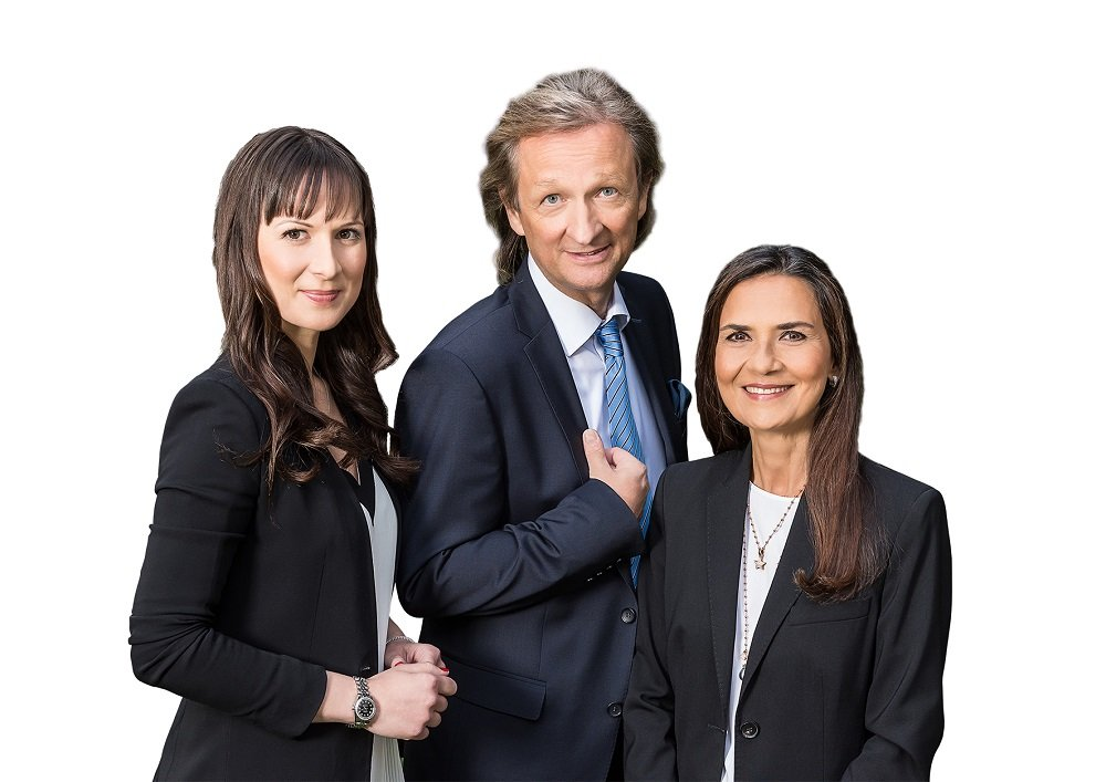 Die starken Frauen an der Seite von Geschäftsführer Jens Lorenz: Ehefrau Smita (r.) und die sechste Generation, vertreten durch Tochter Natascha (l.).