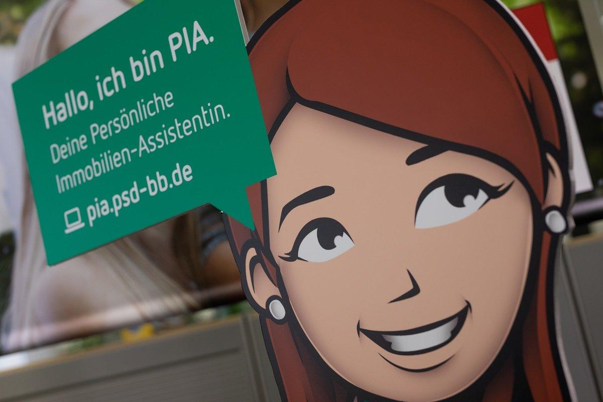 """Mit der digitalen Assistentin """"PIA"""" behalten Kunden auch online den Überblick"""