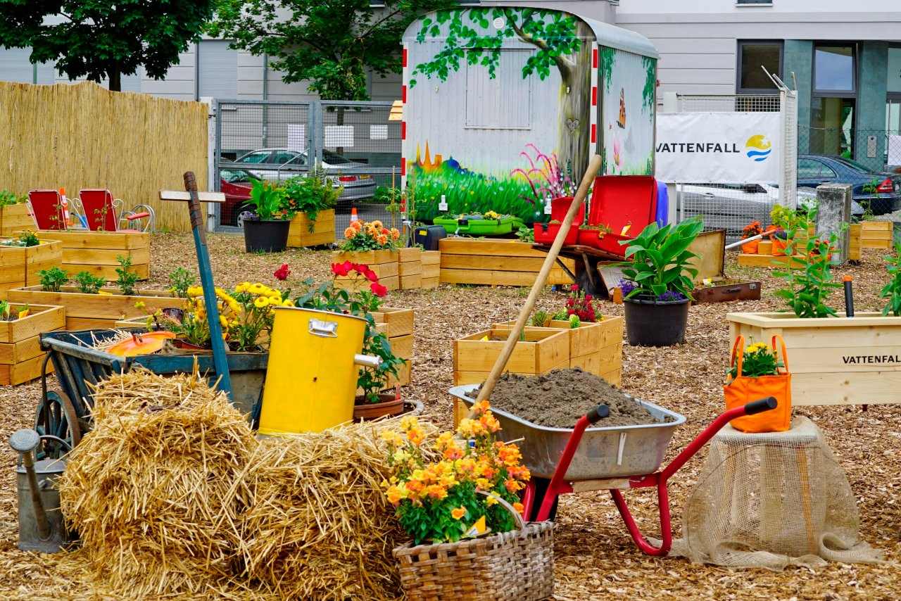 Erde, Schippe, Pflanzensamen: Vattenfall stellt das Material für das gemeinsame Gärtnern