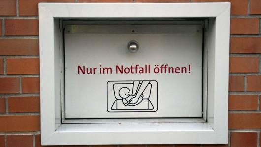 Die Babyklappe am Vivantes Klinikum in Berlin-Neukölln © dpa