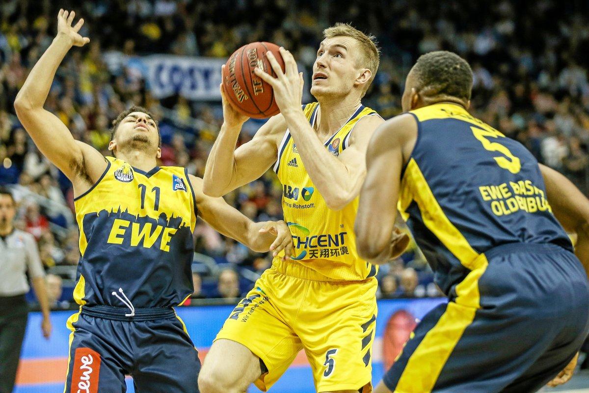 Alba Berlin im Basketball-Pokalfinale - Hallenfrage weiter offen