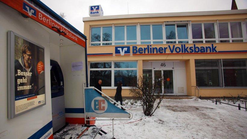 berliner tunnelgangster besa schlie fach in der bank berlin aktuell berliner morgenpost. Black Bedroom Furniture Sets. Home Design Ideas