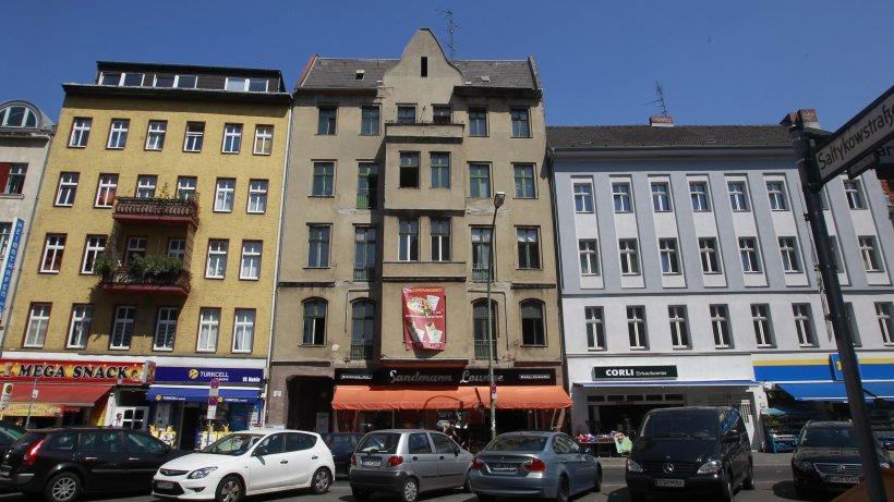 polizei muss zwangsversteigerung von berliner haus sch tzen neuk lln berliner morgenpost. Black Bedroom Furniture Sets. Home Design Ideas