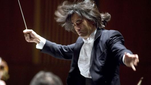 In Berlin beliebt: Der amerikanisch-japanische Dirigent Kent Nagano wird am Sonntag das Deutsche Symphonie-Orchester in der Philharmonie leiten