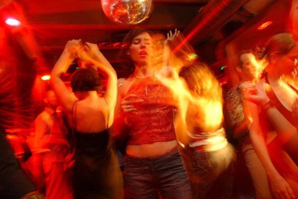 Das Schnelle Kurze Leben Eines Party Konigs Berlin Aktuelle