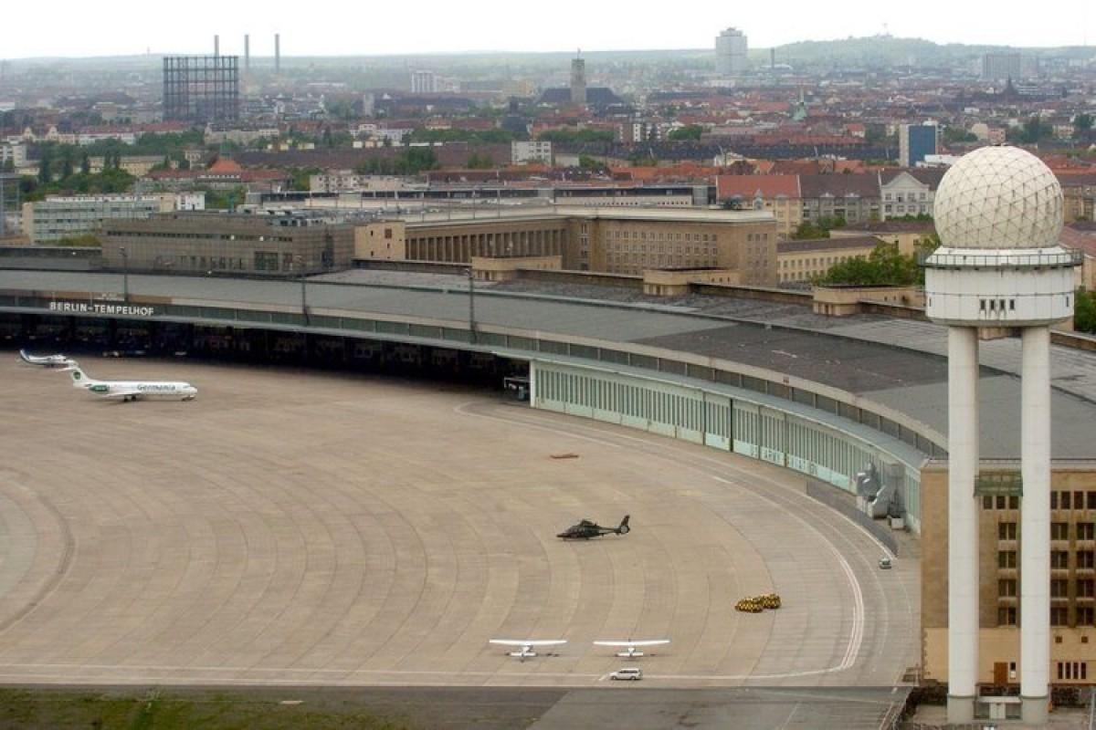 Bundeswehr Baut Auf Dem Flughafen Tempelhof Berlin Aktuelle