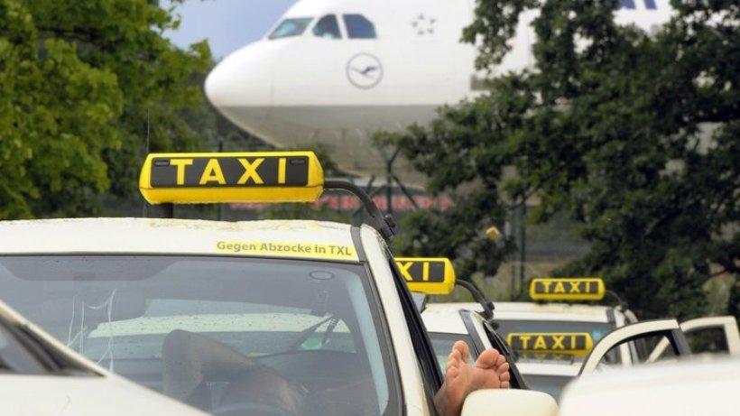 taxifahrer wollen flughafen lahmlegen berlin aktuelle. Black Bedroom Furniture Sets. Home Design Ideas