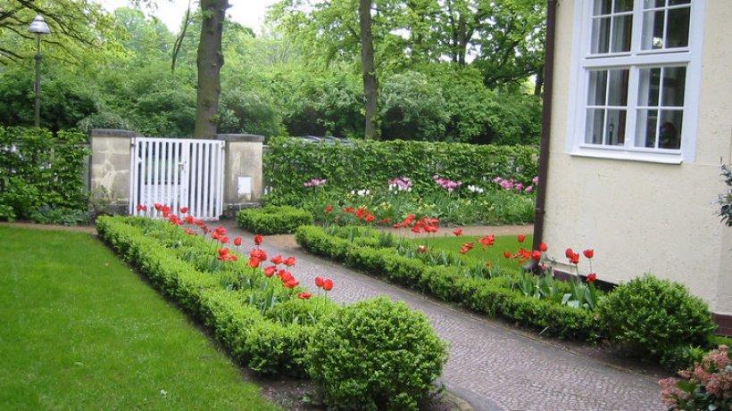 So wird der vorgarten zum kleinen paradies berlin for Kleine straucher vorgarten