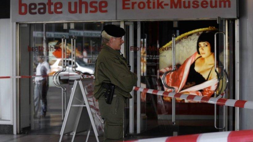 Polizist Erschie 223 T Mann Vor Beate Uhse Museum Berlin