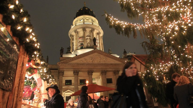 verzaubertes weihnachten am gendarmenmarkt berlin. Black Bedroom Furniture Sets. Home Design Ideas