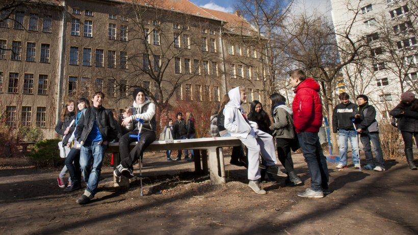 fast 1000 sch ler erhalten keinen platz an wunschschule berlin aktuelle nachrichten. Black Bedroom Furniture Sets. Home Design Ideas