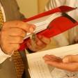 Ist ein Makler im Spiel, regelt er den Wohnungsverkauf bis zur Schlüssel-Übergabe
