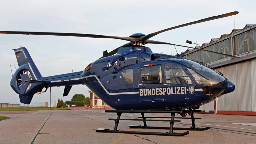 motor helicopter with Wann Die Berliner Polizei Helikopter Einsetzt on Robinson R44 furthermore 2893402138 besides Showthread moreover Rs232 To Rs485 Converter further Wann Die Berliner Polizei Helikopter Einsetzt.