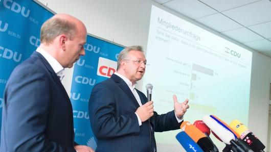 Berlins CDU-Generalsekretär Kai Wegner (l.) und CDU-Chef Frank Henkel