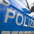 Die Polizei sucht nach einem Unbekannten, der am Sonnabend einen BVG-Bus beschädigt hat