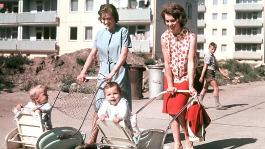 Da saßen die Babyboomer noch im Kinderwagen: Zwei Mütter und ihre Kinder in Berlin (1964)