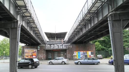 Siemensbahn in Siemensstadt: Stillgelegter S-Bahnhof Werner-Werk