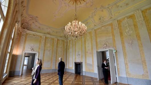 Der große Saal im Schloss Schönhausen in Berlin. Das Schloss war ab 1949 Sitz des DDR Staatsoberhauptes und ab 1965 Gästehaus der Regierung