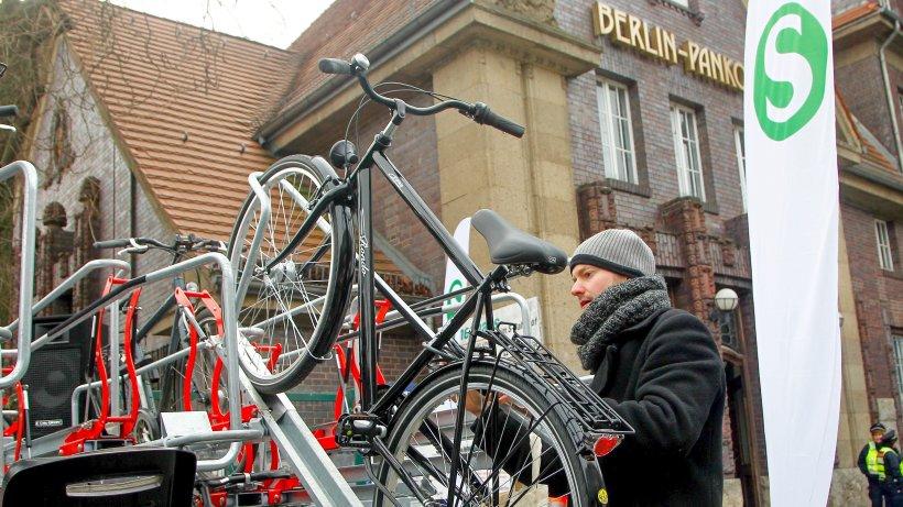 am s bahnhof pankow parken fahrr der auf zwei etagen berlin aktuelle nachrichten berliner. Black Bedroom Furniture Sets. Home Design Ideas
