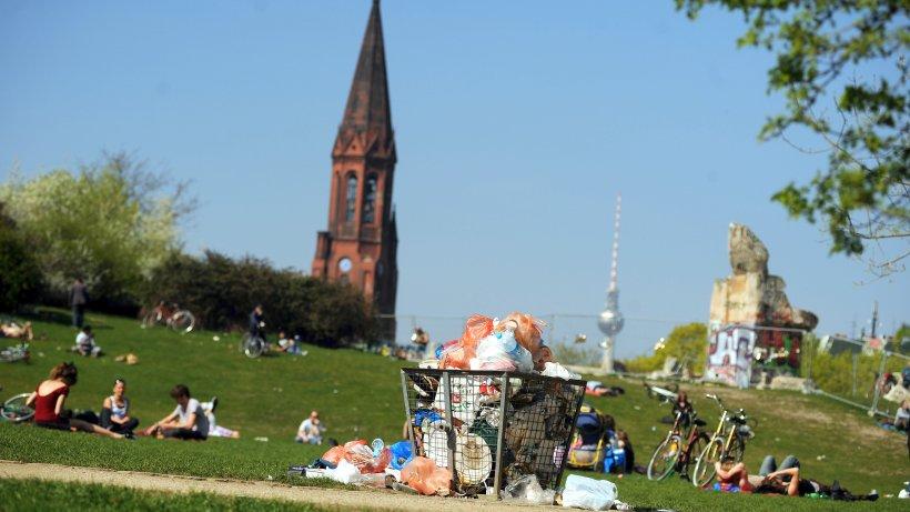 bsr hilft bezirken ab juni bei reinigung der parks berlin aktuelle nachrichten berliner. Black Bedroom Furniture Sets. Home Design Ideas