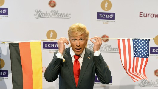 Comedian Oliver Pocher verkleidet als US-Präsidentschaftskandidat Donald Trump