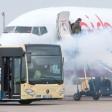 Notfallübung mit einem Flughafenbus