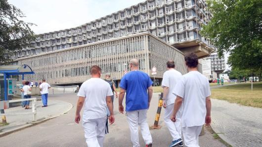 Beschäftigte des Benjamin-Franklin-Krankenhauses kehren zu ihren Arbeitsplätzen zurück