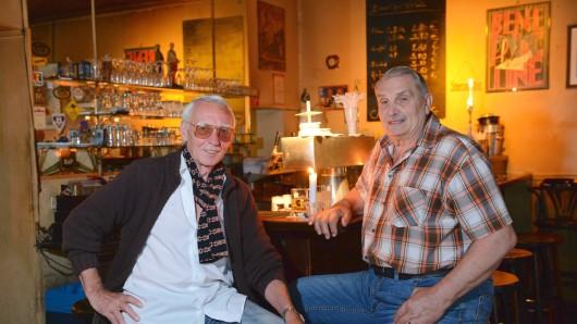 """Seit 30 Jahren betreiben Wolfgang Hempel (l.) und Michael Schreier das """"Menta"""" in Wilmersdorf"""