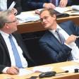 Frank Henkel (l, CDU), Berliner Innensenator, und Michael Müller (SPD), Regierender Bürgermeister von Berlin