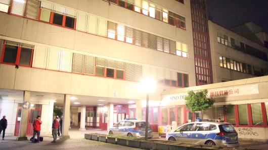 Ein Streit in einer Notunterkunft in Schöneberg endet mit einem Großeinsatz der Polizei