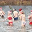 Nur für Unverfrorene: Weihnachtsbaden im Orankesee