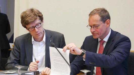 Engelbert Lütke-Daldrup (l.) ist neuer Flughafenchef, Michael Müller legt den Aufsichtsratsvorsitz nieder