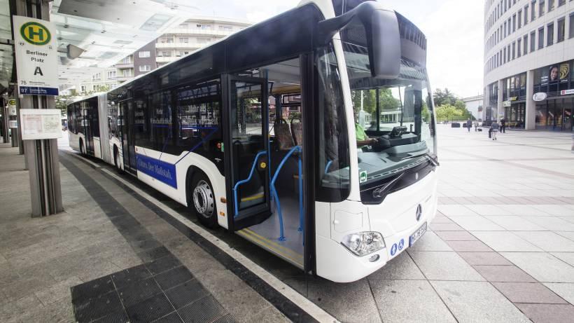Bvg Bestellt Bei Mercedes Benz Fast 1000 Neue Busse Berlin