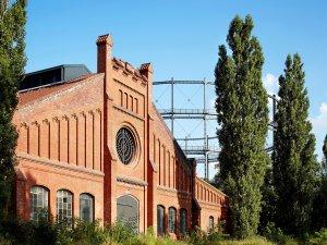 """""""Stone Brewing"""" verlässt die Fabrikhalle auf dem ehemaligen Gasag-Gelände in Mariendorf."""