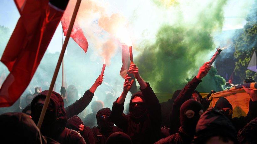 Berliner Polizei lässt Demonstranten am 1. Mai laufen