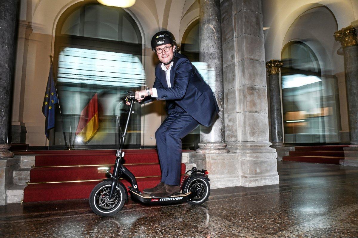 Nun doch keine E-Roller auf Berliner Bürgersteigen