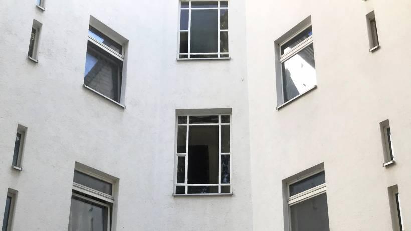 Fensterscheibe stürzt auf Kinder - zwei Verletzte - Berlin ...