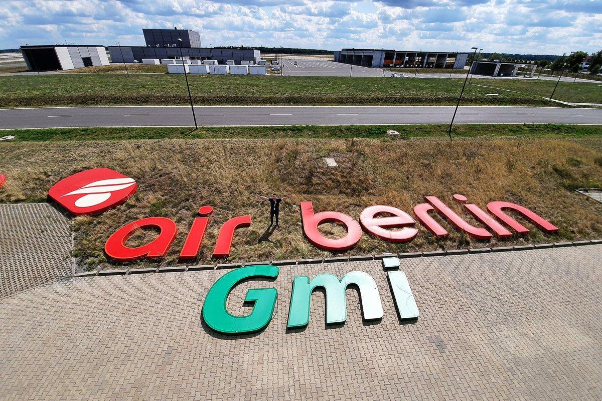Berliner will Denkmal für Air Berlin und Germania errichten