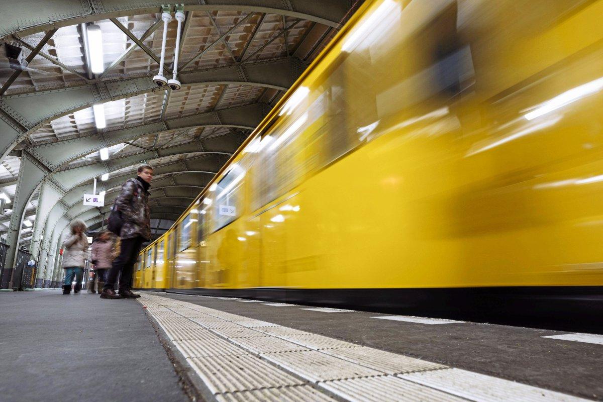 BVG: U-Bahn oder Bus verspätet - Wie man Schadenersatz beantragen kann