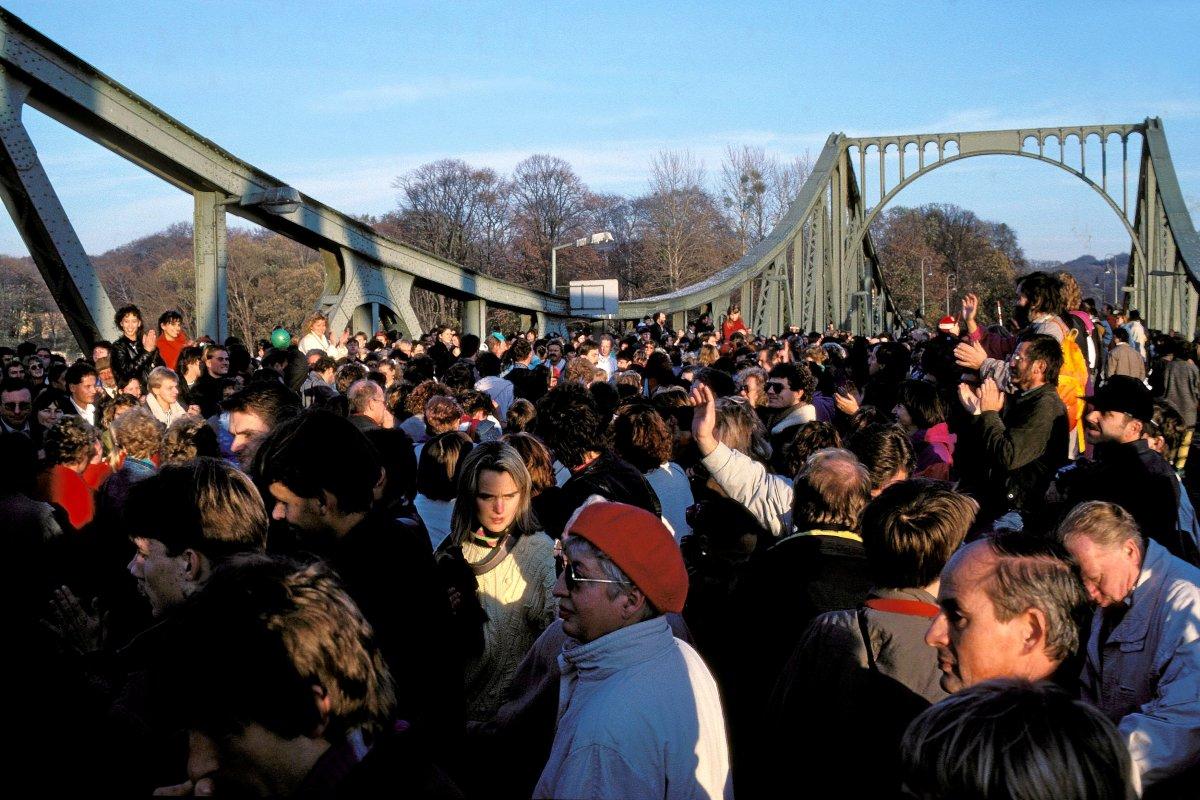 Potsdam und Zehlendorf feiern Öffnung der Glienicker Brücke