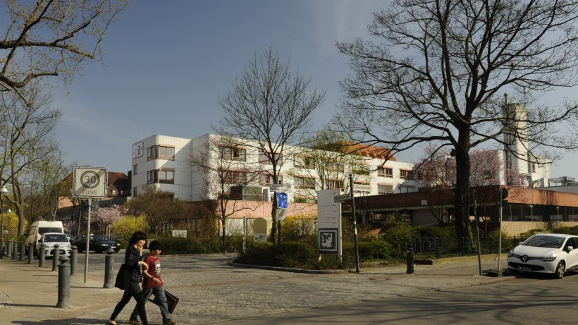 Berlin-Tempelhof: Massenschlägerei im Krankenhaus – Polizei setzt Reizgas ein