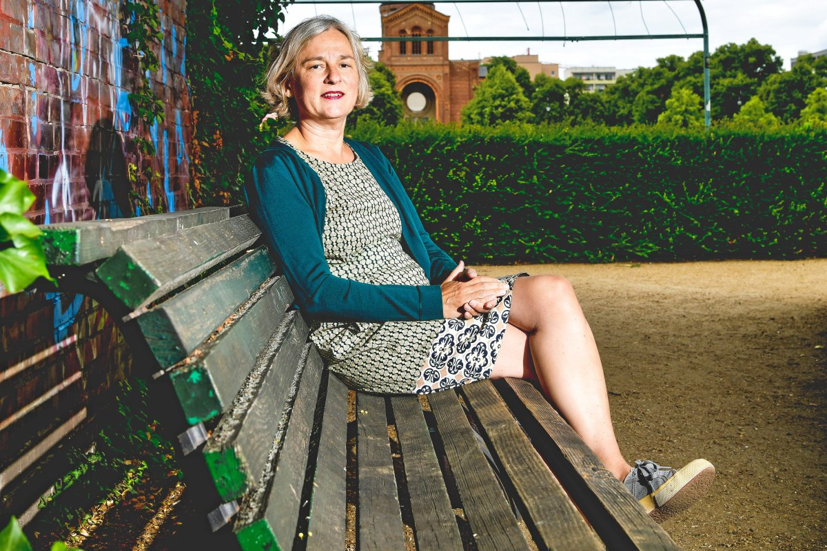 Gabriele Knapstein - Mit beiden Beinen in der Gegenwart