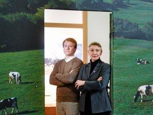 Die beiden Landwirte Reinhild Benning und Thomas Gäbert auf der Grünen Woche