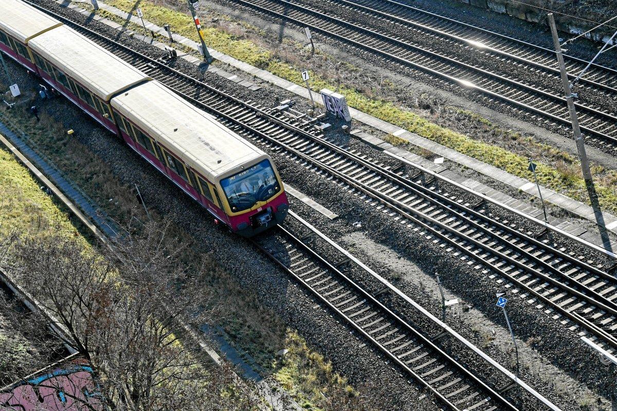S-Bahn Berlin: Stellwerksausfall in Strausberg - SEV auf der S5 eingerichtet