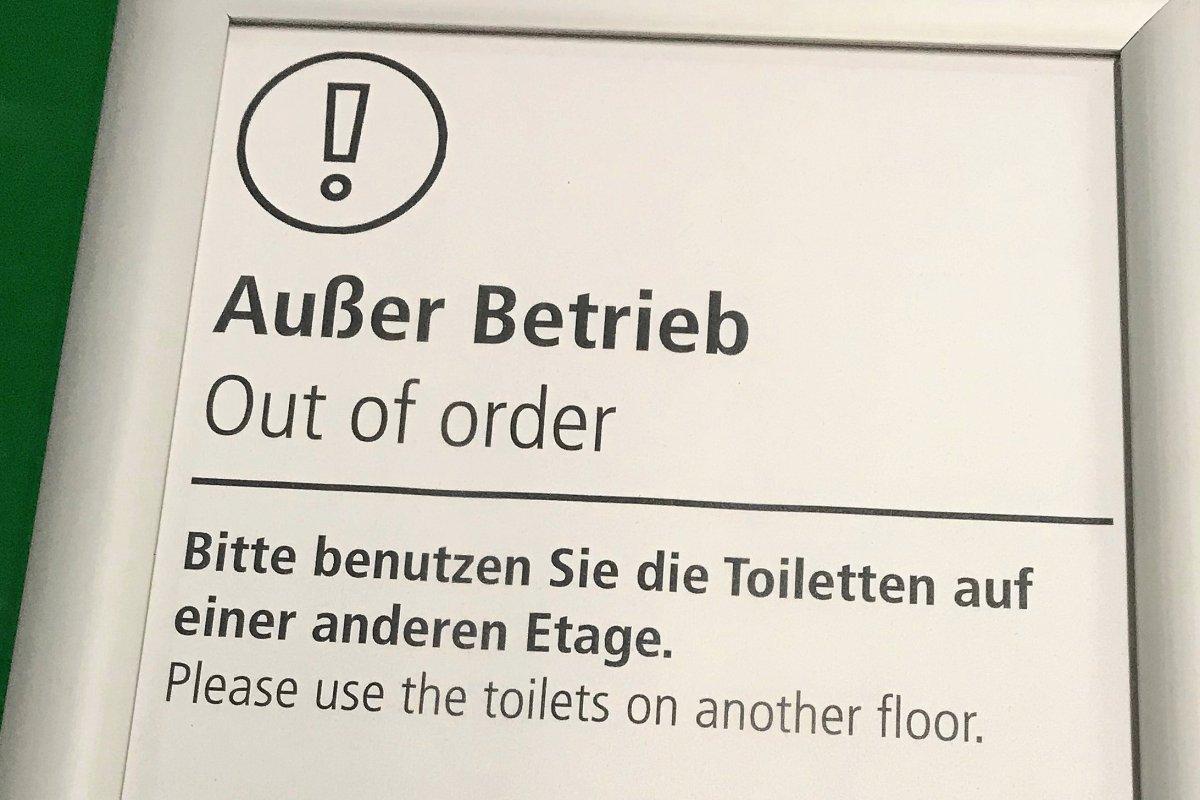 Verstopfte Toiletten: TU Berlin muss Dixie-Klos aufstellen