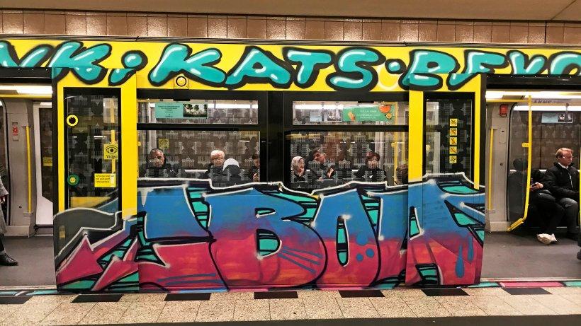 BVG kämpft mit Spezial-Folie gegen Graffiti auf U-Bahnen