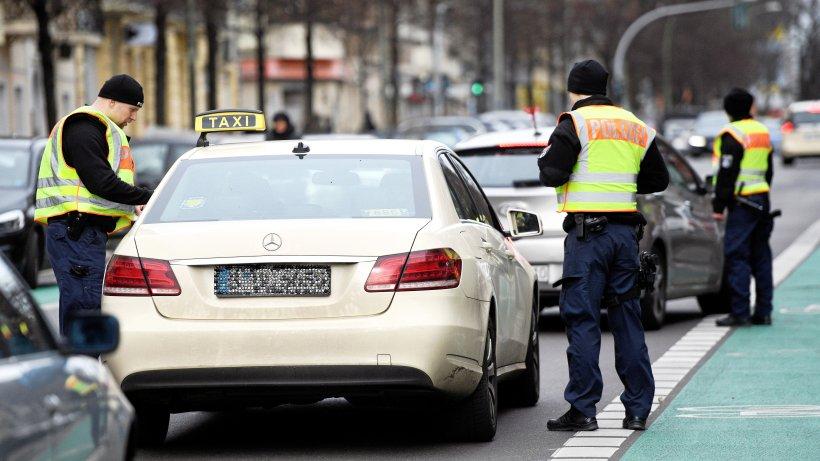 350 Verkehrskontrollen: Berliner Polizei sieht genauer hin