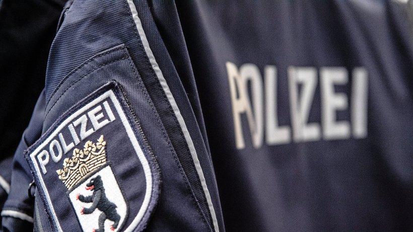 Berlin Lichterfelde Unfall: Radfahrerin von Lkw lebensgefährlich verletzt